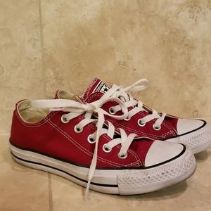 Red converse chuck taylors